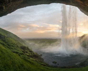 10 Breathtaking Natural Wonders Around the World
